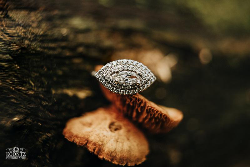 Engagement photos, Engagement photography, Fish on Fire, Fish on Fire Orlando, Koontz Photography, Central Florida Photographer, Central Florida Wedding Photographer