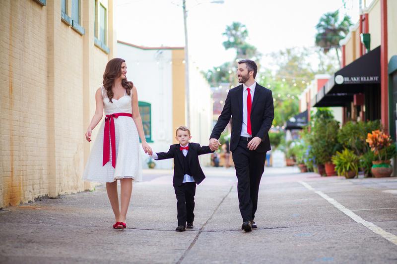 """Deland Family photographer"", ""DeLand wedding photographer"", ""DeLand family photography"", ""DeLand wedding photography"", ""DeLand family photos"", ""DeLand wedding photos"", ""Koontz Photography"", ""Daniella Koontz"", ""Holiday photos"", ""Family holiday photos"""